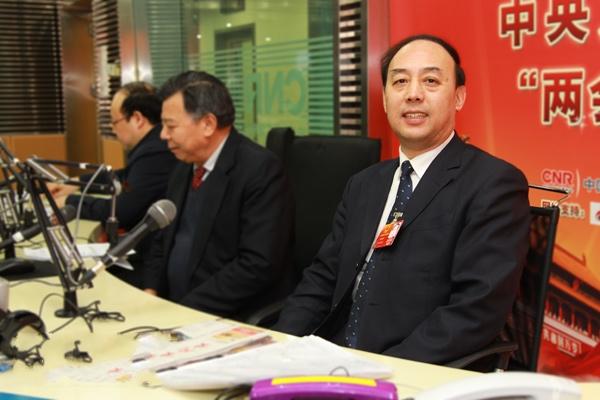周洪宇:加大义务教育财政支持 建设教育现代化强国